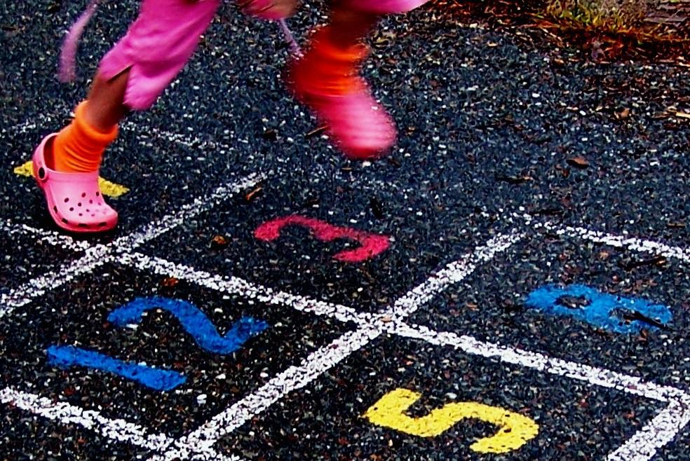 Ruchowe zabawy dla dzieci wwieku przedszkolnym
