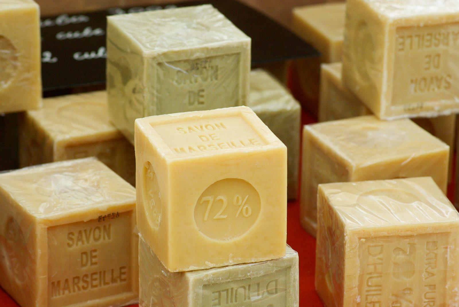 Odmydła dokapsułek – krótka historia detergentów doprania