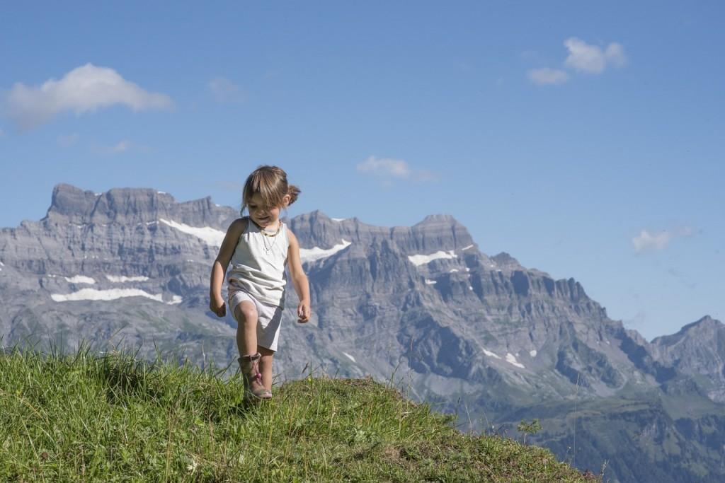 Górskie wędrówki z dzieckiem – czy warto i jak się przygotować?   Poradnik  kobiety