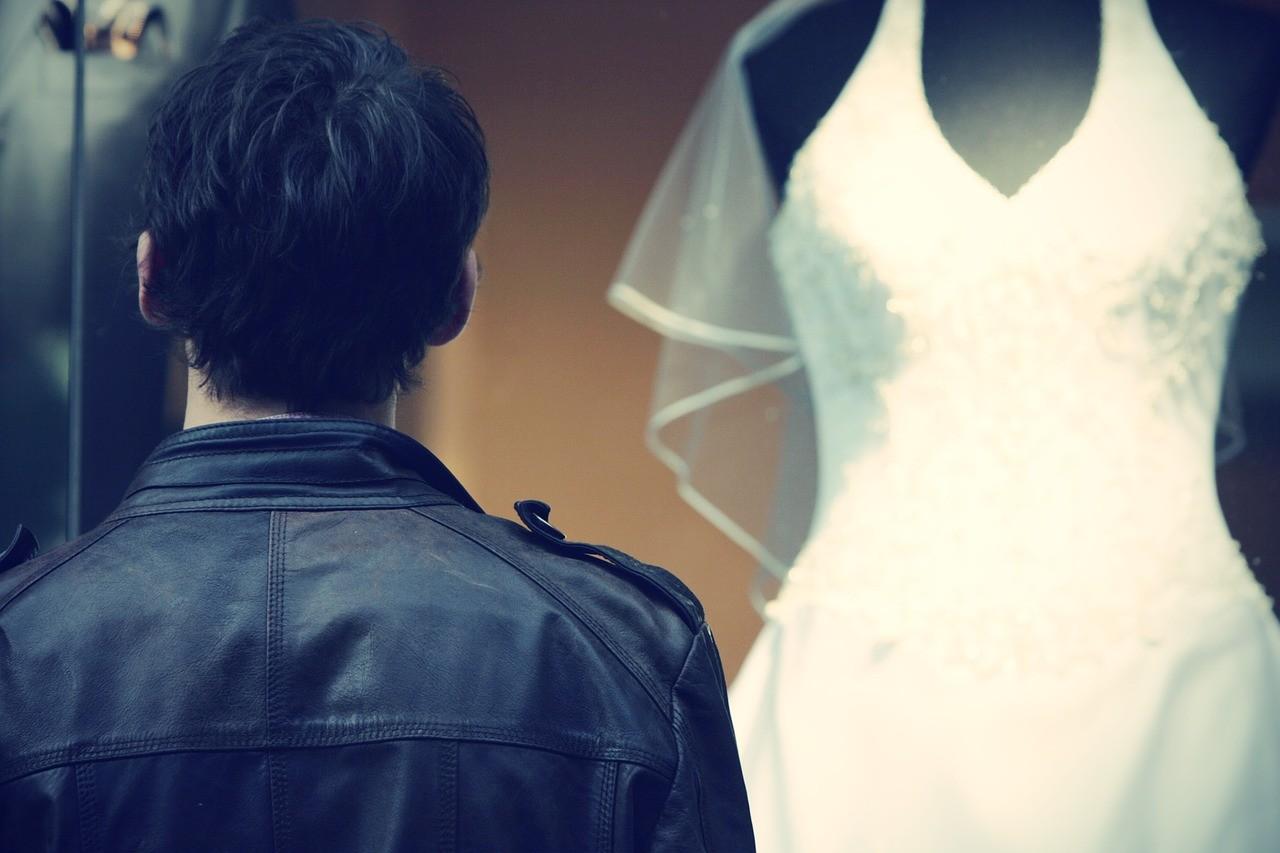 Suknia ślubna – kiedy igdzie ją kupić?