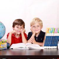 5 najpopularniejszych zabaw dla dzieci wdomu