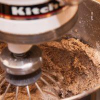 Roboty kuchenne – jakie funkcje są najbardziej przydatne, zaco warto zapłacić więcej?