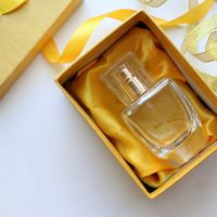 Najpiękniejsze flakony perfum na prezent